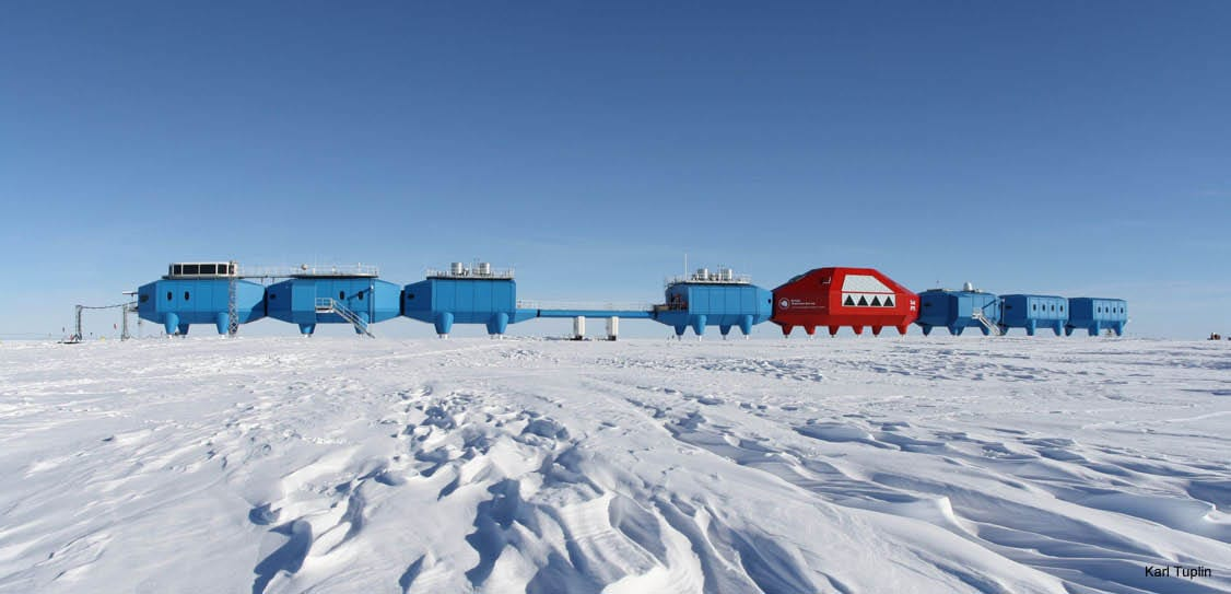 Halley VI Research centre,Antarctic. Pods designed for living and working.