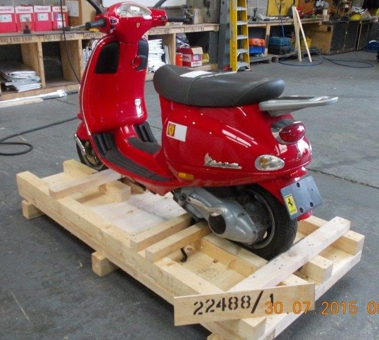 Export Packing to Hong Kong – Vespa ET4 Ferrari Ltd Edition Scooter